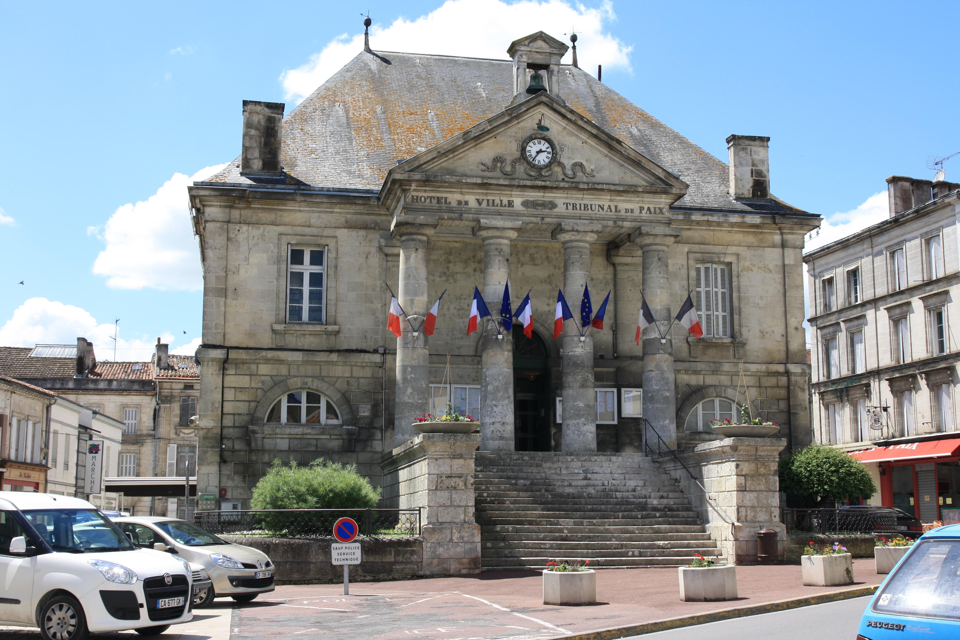chateauneuf_tribunal_1